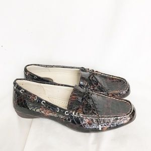SPERRY Reptile Print Loafer Size 9M